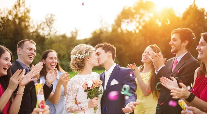 how to keep wedding costs down